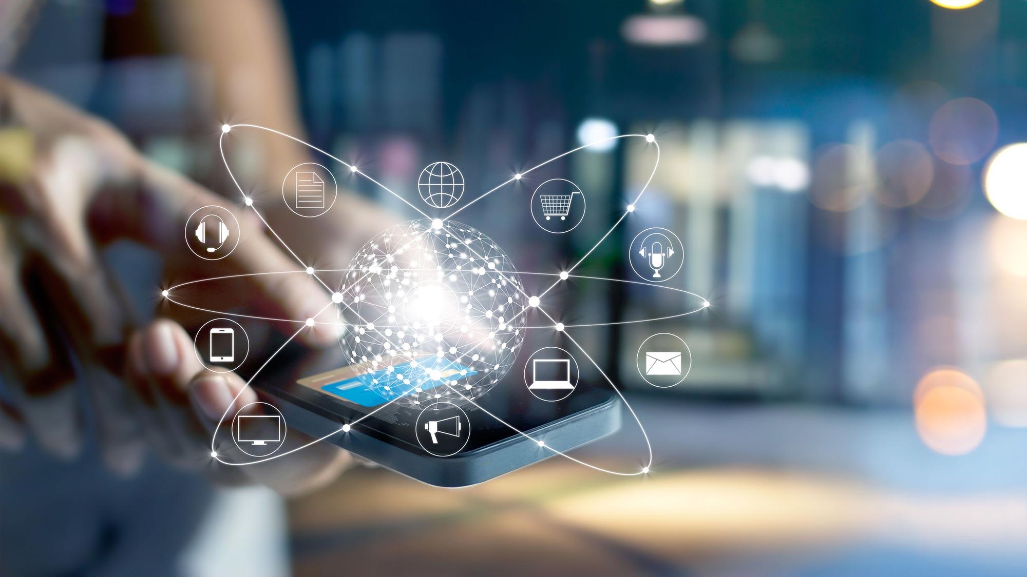 man-smartphone-telephony-applications.jpg